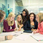 Interview: Studiebegeleiding vraagt om maatwerk, tussenjaar dus ook